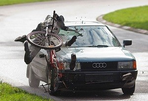 velosipedist-na-doroge